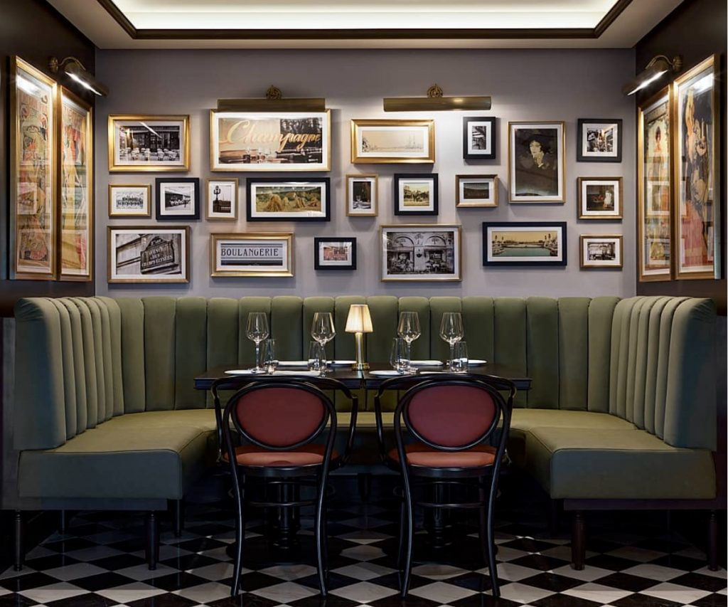 Artwork and Signage for Pubs and Hotels
