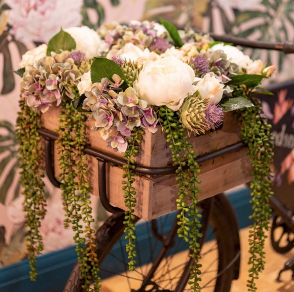 Floral Arrangements and Planting for Hotels, Pubs and Cruise Ships